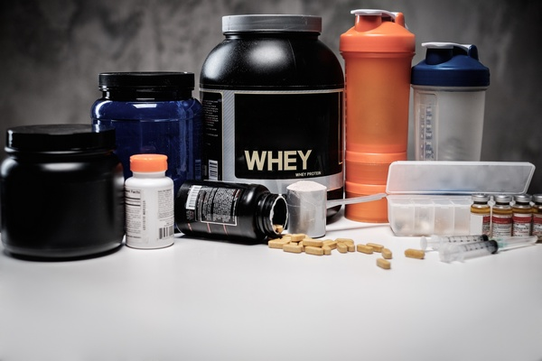 whey protein and pre workou supplements
